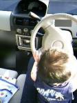 俺が運転するぜぃ。